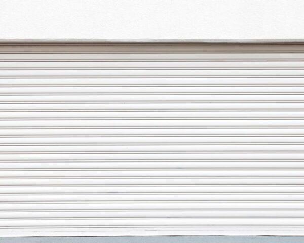 Usos y ventajas de las puertas enrollables automáticas